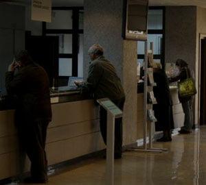 Vosganian: bancile trebuie sa aiba tratament egal cu cetatenii