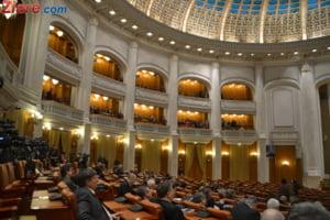 Vot crucial pentru bugetul pe 2016 dat in Parlament