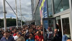 Votul pentru diaspora nu se prelungeste, a decis BEC. Mii de romani stau la cozi si nu au sanse sa voteze