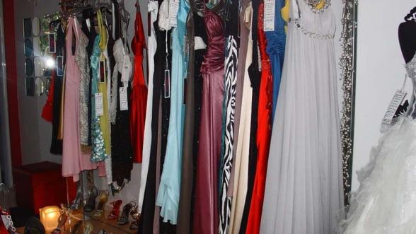 Vrei sa iti arati perfect la un eveniment? Inchiriaza o rochie de vedeta!