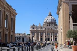 Vrei sa te distrezi la Roma? Ai grija ce faci, sunt reguli noi privind comportamentul in public. Si amenzi usturatoare!