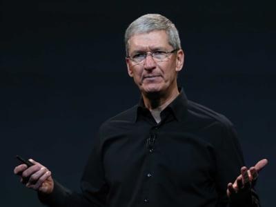 Seful Apple pune tunurile pe Facebook si Google: Nu merita sa le dati datele personale!