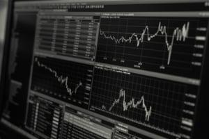 Wall Street a inchis marti in scadere, trasa in jos de titlurile din sectorul tehnologiei