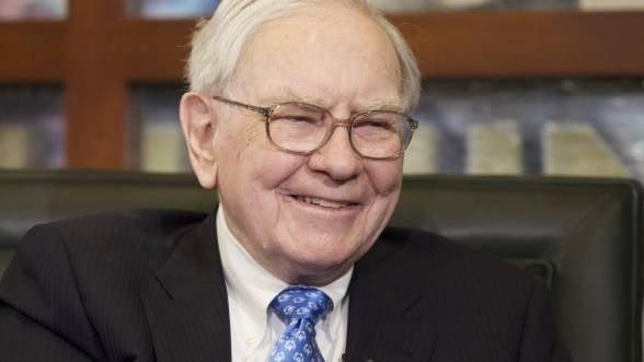Warren Buffett dubleaza investitiile in energie regenerabila. Vezi motivele din spatele pariului
