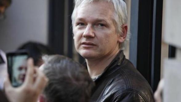 Wikileaks renunta la dezvaluiri, din ratiuni financiare