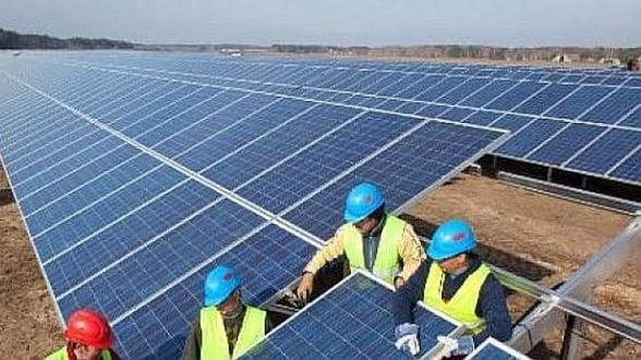 Zece noi proiecte fotovoltaice si trei microhidrocentrale au primit autorizatii de infiintare
