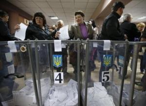 Zi de foc in Ucraina: Referendumul pentru independenta in Donetk si Luhansk incepe cu violente