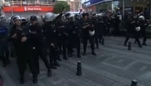 Ziua Femeii, sarbatorita la Istanbul cu gloante de cauciuc - sute de femei batute de politisti