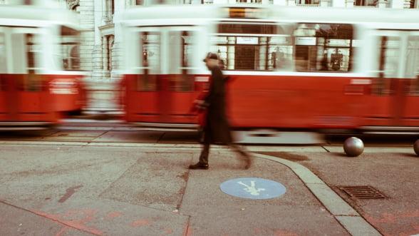 Ziua Internationala a Poeziei, sarbatorita intr-un tramvai de epoca al STB