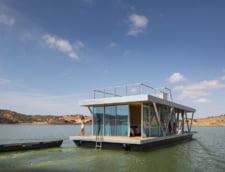 casa plutitoare Friday 4