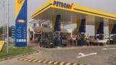 Petrom scumpeste carburantii cu sase bani pe litru