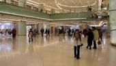 Tot mai multe mall-uri cu haine de firma ieftine