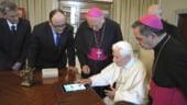 Papa Benedict al XVI-lea a postat primul mesaj pe Twitter