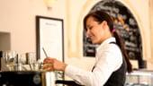 Patronate: Reglementarea bacsisului va atrage mai multi tineri in industria ospitalitatii