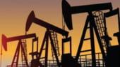 FMI: Pretul petrolului ar putea creste cu 20-30% in urma sanctiunilor impotriva Iranului