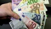 Euro se mentine la cotatia record de 1,5350 dolari/euro