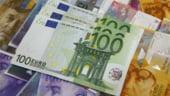 Curs valutar. Leul se depreciaza usor fata de dolar si euro
