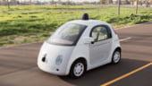 Masina Google fara sofer a luat-o razna in preajma unui biciclist (Video)