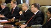 Reprezentantii FMI si-au amanat vizita din cauza referendumului