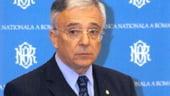 Isarescu: Ne batem cu sabii de otel pentru tinta de inflatie