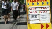 Pe buza prapastiei: cursul trece de 4,3. Romania pierde un miliard de euro