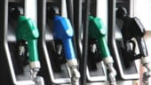 Benzina, o treime din leafa
