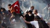 Turcia. Mii de persoane continua protestele in ciuda interventiei fortelor de ordine
