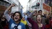 Portugalia fierbe: Functionarii au iesit in strada