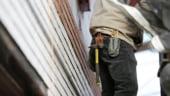 Angajati in Romania: Jumatate sunt platiti cu salariul minim, iar majoritatea tinerilor sunt necalificati. Cine e de vina?