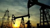 Pretul petrolului, influentat de criza europeana