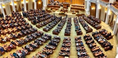 VIDEO Parlamentarii reiau dezbaterile pe Legea bugetului de stat. Marti va fi votul final