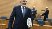 Oficial cipriot: Germania si FMI au folosit o bomba atomica pentru impuscarea unui porumbel