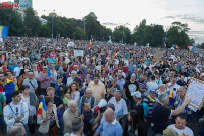 Inalta Curte: Adunarile publice trebuie declarate. Protestatarii pot fi chiar bagati la inchisoare!