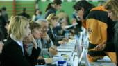 Tinerii vor bani multi si sefi corecti de la primul job