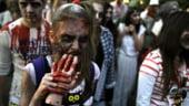 """Chile: 20.000 de """"zombi"""" au marsaluit pe strazile din Santiago de Chile"""