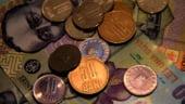 Curs valutar 30 octombrie: Euro creste usor, dar sigur. Dolarul o ia la vale