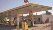 Rompetrol a scumpit benzina cu 3 bani/litru, de miercuri