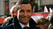 Stanga franceza merge pe mana unui anonim la prezidentiale. Pentru Le Pen devine tot mai simplu