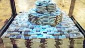 Grecia a luat 2 miliarde de euro de la banci