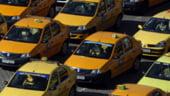 Sute de taximetristi vor protesta marti in Capitala, pentru a cere revenirea la 1,95 lei/km
