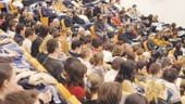 Companiile recruteaza studenti de pe bancile facultatii