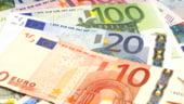 Curs valutar 6 august. Volksbank vinde euro si dolarul la cel mai nefavorabil pret