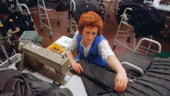 Muncitorii din industria textila, cei mai cautati pe piata muncii