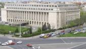FMI ar putea da unda verde la majorari de pensii si salarii in 2012