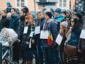 Sibienii reiau protestul tacut din fata sediului PSD: Lupta cu inamicii statului de drept e mai intensa ca niciodata
