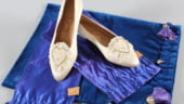 Replica pantofilor si a rochiei de nunta a Printesei Diana, vandute la licitatie