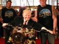 Pasiunile lui Donald Trump: Avion si motocicleta din aur
