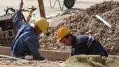 Romanii vor salarii tot mai mari de la angajatorii europeni