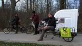 Vacanta in stil nomad: Ia-ti o rulota de bicicleta pentru excursiile in natura!