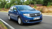 Presa britanica: Dacia Sandero e mai ieftina decat dungile unei masini Ferrari